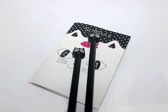 fekete macskás toll, cicás toll